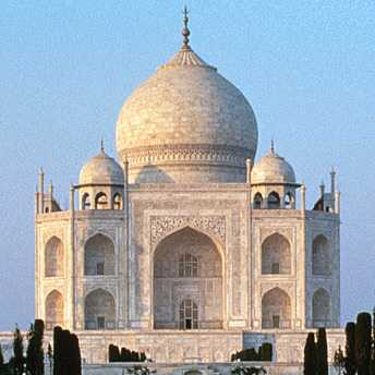 © Explore the Taj Mahal